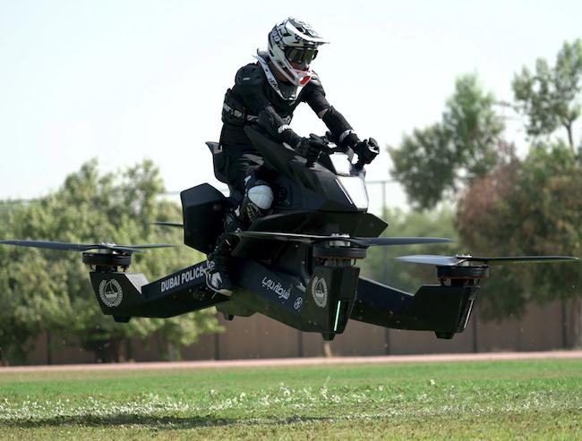 【捕鱼王】杜拜飞天摩托车Hoverbike 飞行警车时速可达96公里威风凛凛