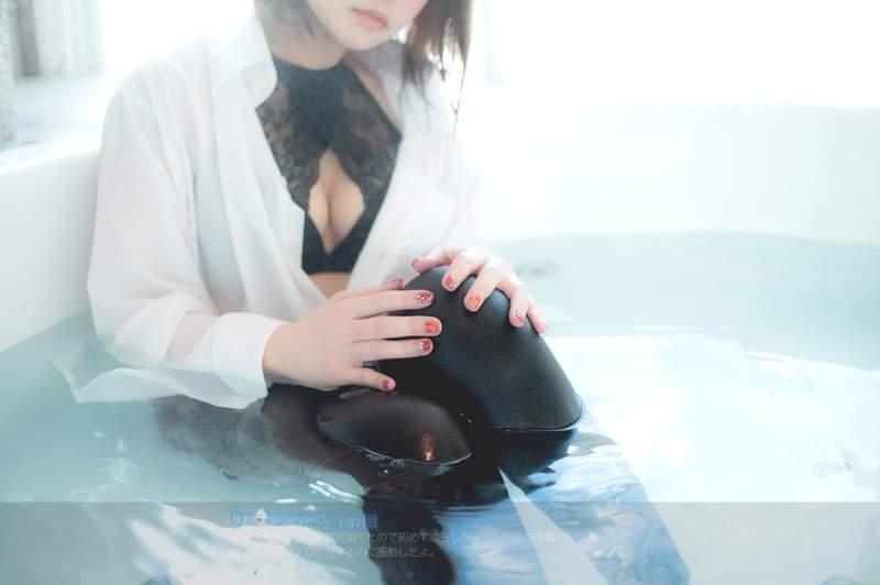 """【捕鱼王】Coser正妹上演""""湿身黑丝袜"""" 黑丝袜美女性感撩人"""