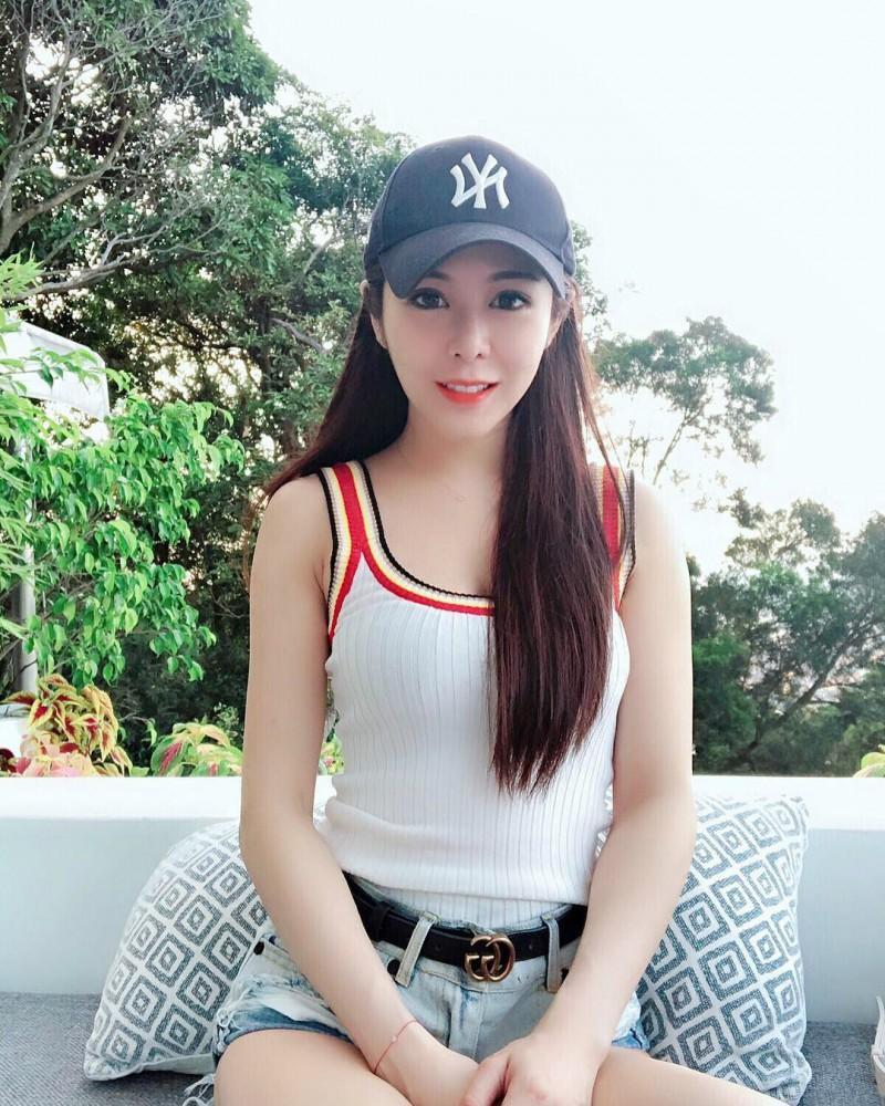 【捕鱼王】台湾性感正妹Nica 比基尼秀美背令人流鼻血