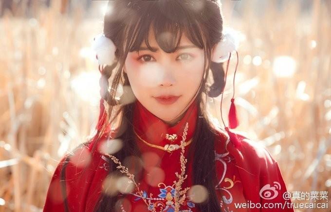 【捕鱼王】女神级中国coser「真的菜菜」 爆表魅力让众人想被她踩在脚下!