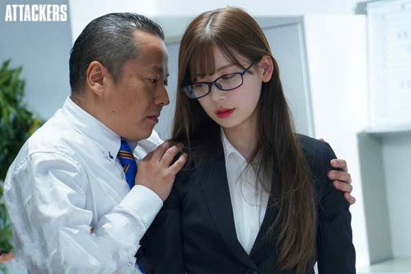 【捕鱼王】ATID-421:湿身的御姐明里紬遇到上司霸占侵犯一整晚!