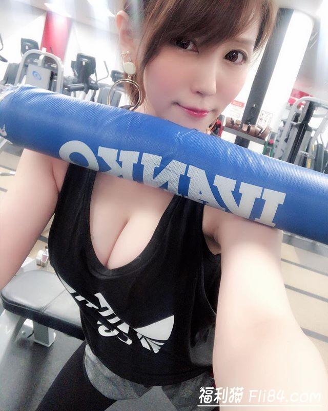 """【捕鱼王】波霸御姐""""まろかMAROKA""""雪白欧派逼得你想动手!"""