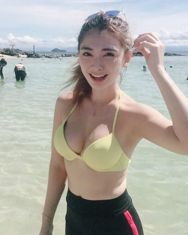 【捕鱼王】气质正妹AikYen 魔鬼身材美女性感泳装魅力无极限