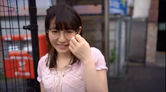 【捕鱼王】MIFD-080:自信不足的眼镜妹,第一次被男人从后面骑了