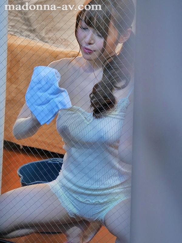 【捕鱼王】JUL-153:巨乳人妻今井妃茉莉奶贴玻璃发浪偷情 。