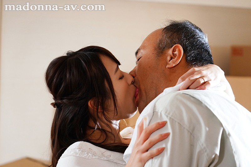 【捕鱼王】JUL-255 :熟女人妻白石茉莉奈背著老公和搬家工人搞上了 …