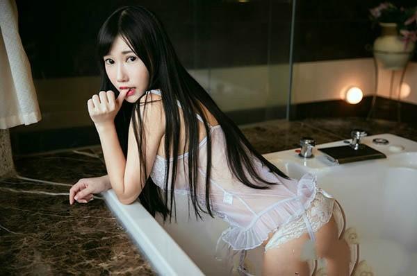 【捕鱼王】又又黄钰文性感写真自拍