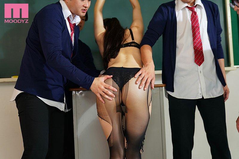 【捕鱼王】MIDE-837:巨乳女教师高桥圣子承受一轮又一轮的肉棒衝击
