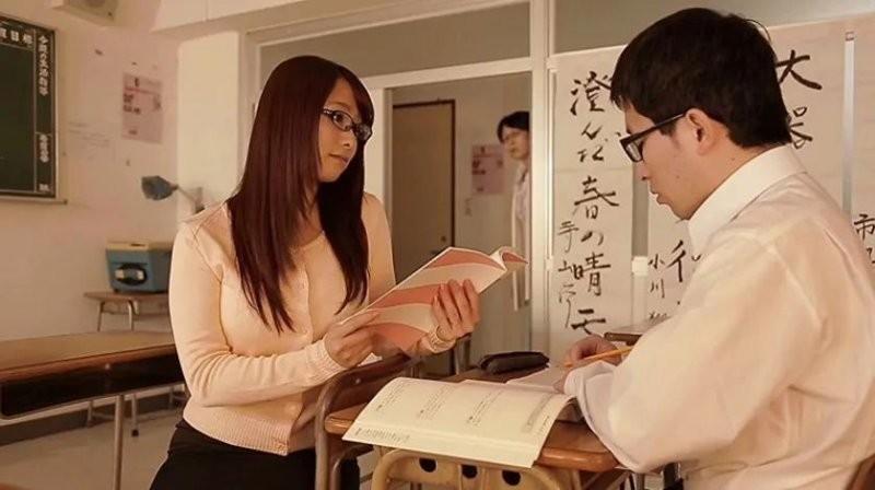 【捕鱼王】白石茉莉奈STAR-534 美女老师被毛头小子偷袭硬上