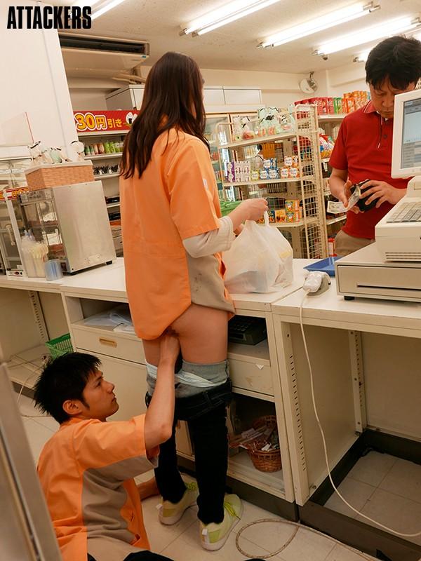 【捕鱼王】SSPD-165:老公出轨,回家自慰的人妻妃ひかり找小鲜肉偷腥!