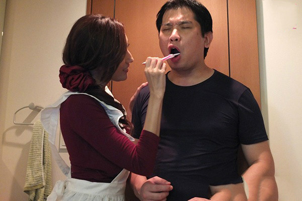 【捕鱼王】MIDE-395: 巨乳女仆解救宅男,J罩杯神乳Julia外送到你家任你调教!