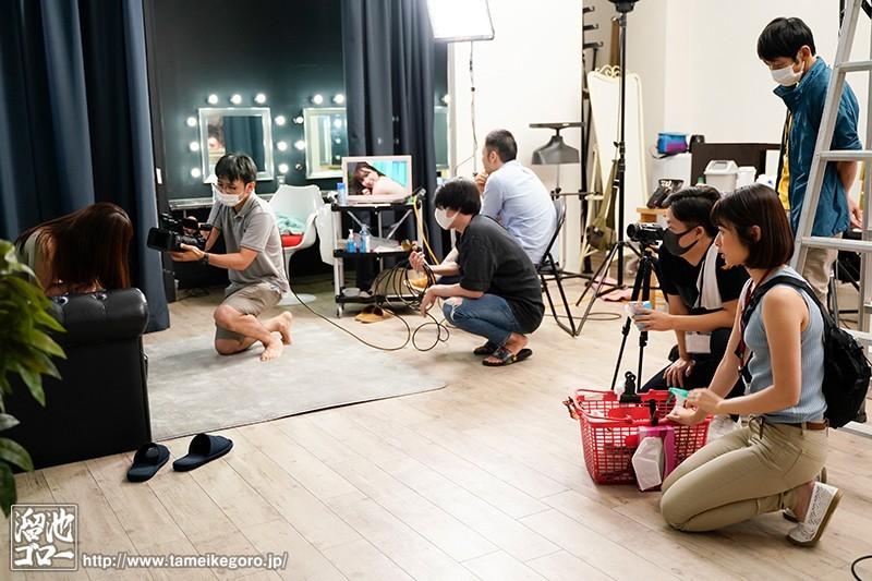 【捕鱼王】应征工作竟是AV片场!「川上奈々美」助理当一当被「强迫上阵」瞒着老公被男优玩弄!