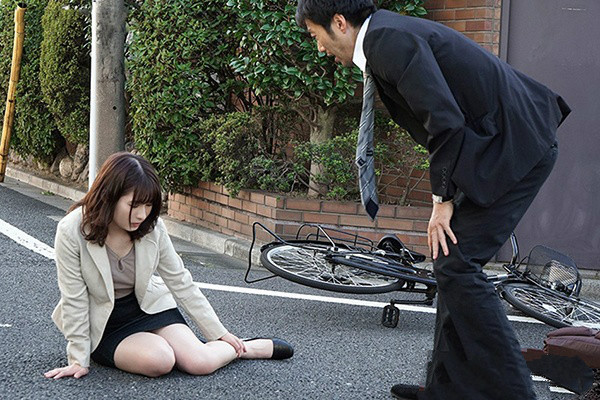 【捕鱼王】偷情上瘾JUY-718: 人妻的枷锁,熟女人妻飞鸟りん骑脚踏车上下班骑到邻居身上,通勤顺便偷情!