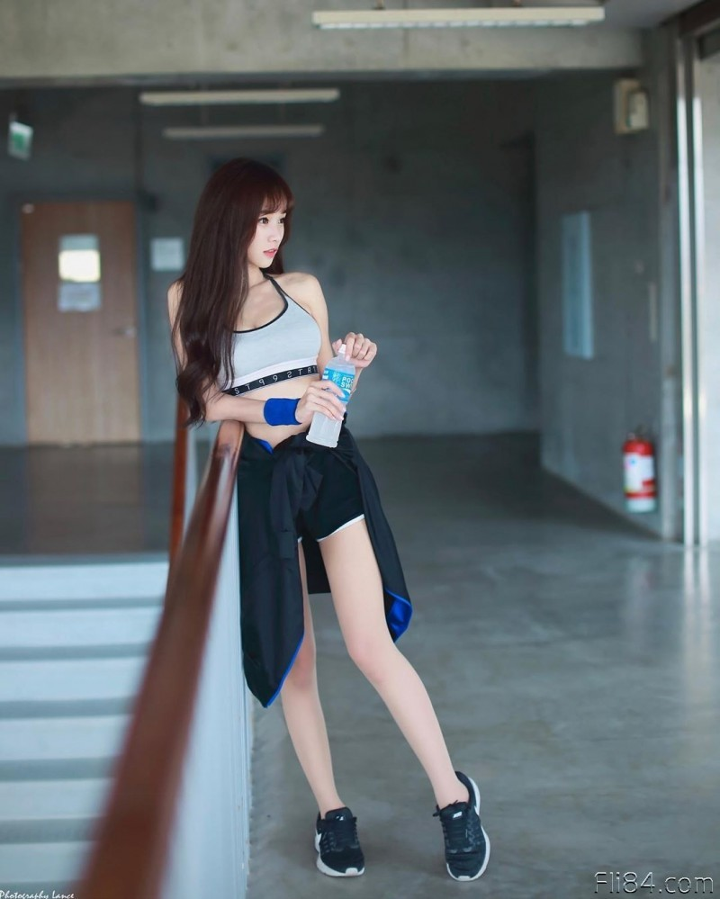 """【捕鱼王】对岸的美腿女主播""""Kittie,跑到上海当空姐,居然还是高材生!"""
