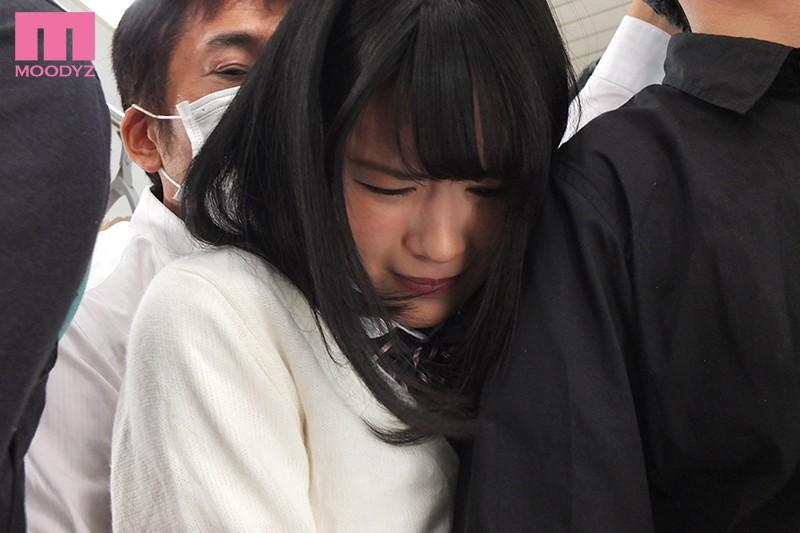 """【捕鱼王】MIDE-647 :短裙学生妹""""志田雪奈""""遇电车痴汉,任由肉棒在后面一进一出!"""