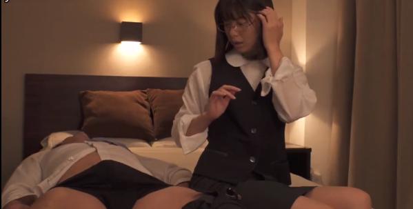 【捕鱼王】川上奈奈美DVAJ-498 痴女为了满足私欲给后辈下药