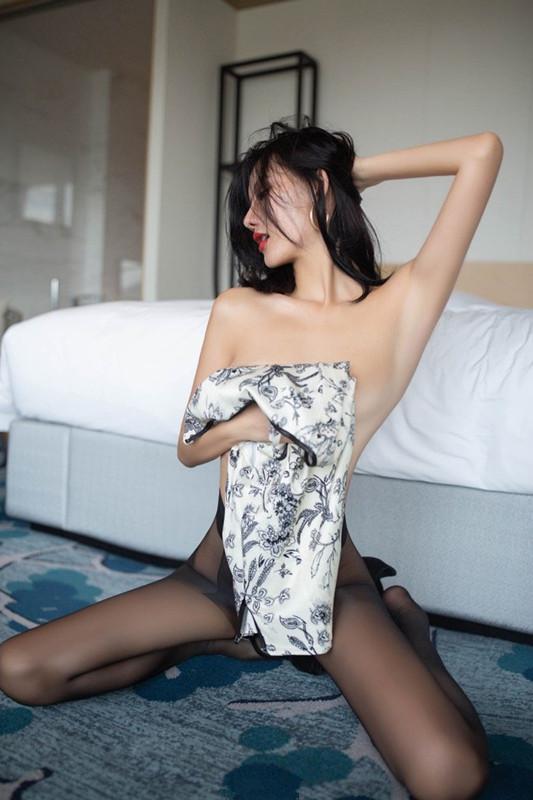【捕鱼王】黑丝旗袍极度销魂 美女模特阿朱脱衣全过程