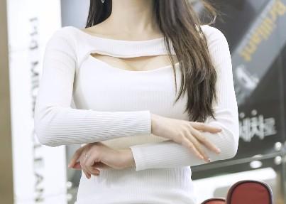 【捕鱼王】韩国车模李佳恩Lee Gaeun车展直拍20200401
