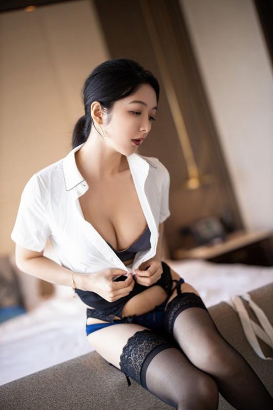 【捕鱼王】OL美女乳沟好深 女神Angela小热巴OL职业装让人心神俱醉。