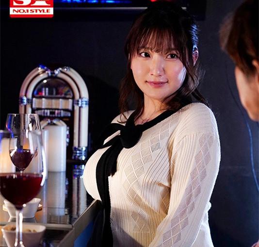 """【捕鱼王】SSIS-094 :巨乳打工人妻""""鹫尾めい(鹫尾芽衣)""""醉酒发情狂啃小鲜肉!"""