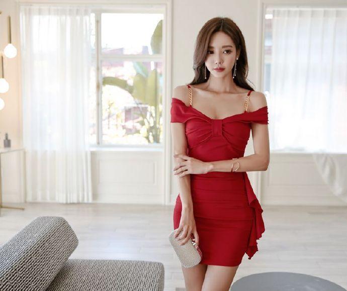 【捕鱼王】韩国女神孙允珠 一字肩连衣裙露香肩秀大长腿