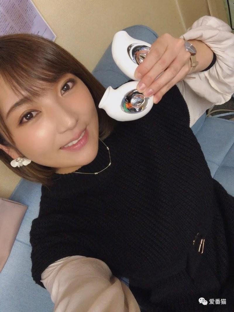 【捕鱼王】神咲诗织嫁给摔角选手岩崎孝树 晒合照满脸幸福